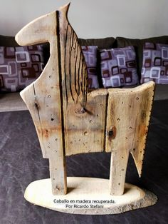 Scrap Wood Crafts, Scrap Metal Art, Wood Shop Projects, Recycled Art Projects, Wooden Horse, Wooden Animals, Horse Sculpture, Abstract Sculpture, Wood Craft Patterns