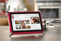 QOOQ is the first culinary coach touch screen device, the claim to revolutionizes the way we think and cook.