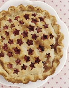 Cut out stars for a patriotic look. | 23 Ways To Make Your Pies More Beautiful