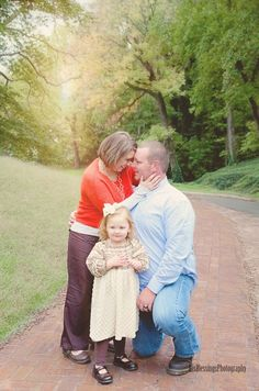 FALL FAMILY PORTRAIT PICTURE PHOTOGRAPHY HIS BLESSINGS PHOTOGRAPHY