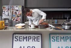Cristiano Baran no momento da preparação do sourdough bread