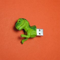 Dinosaur 4GB USB Flash Drive now featured on Fab. Hahah that thing is adorable!