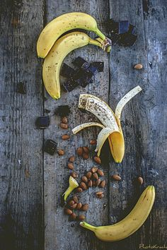 bananas in chocolate #Chocolat #Ingredients #Food #Yummy
