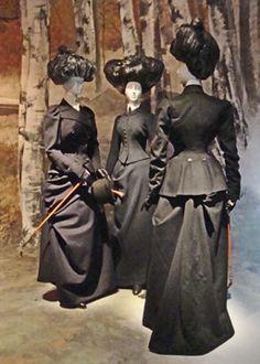 Riding habits, 1890s