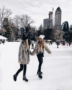best friends skate together