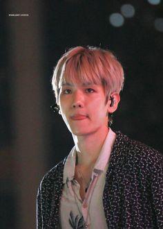 변백현   Baekhyun   [HQ] 180623 #EXO #Baekhyun @ Lotte 27th Family Concert   'ㅅ'