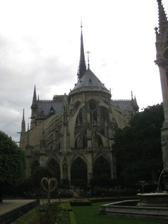 in-paris-the-bastille-neighborhood-recaptures-its-cool
