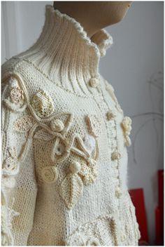 Manteau tricot crochet, love the collar.