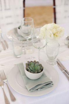 Simple wedding table setting