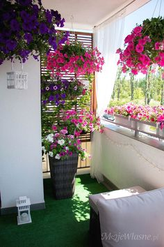 30 Comfortable and cozy outdoor balcony decorations - Shack Revamp - Home Reno . - 30 comfortable and cozy outdoor balcony decorations – shack revamp – home renovations, home imp - Apartment Balcony Garden, Small Balcony Garden, Small Balcony Decor, Balcony Flowers, Apartment Balcony Decorating, Balcony Plants, Outdoor Balcony, Apartment Balconies, Terrace Garden