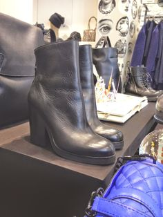 Agua del Carmen, boutique in Milan Blue Glitter, Rebecca Minkoff, Milan, Biker, Luxury Fashion, Street Style, Jewels, Boutique, Stylish