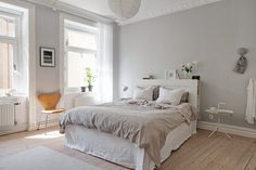 Bedroom with light grey walls