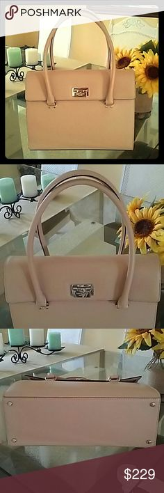 Kate Spade Sinclair Bag Beautiful Kate Spade Sinclair Bag, WKRU2641, Harwood Place, Natural. Only used one time just to carry home on the plane. Spotless,  perfect condition. Have the tag and care card. Kate Spade Bags