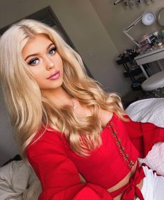 Sexy Lace Up Backless Crop Top - off. Product Details: Gender:Women Item Type:Tops Material:Polyester Gender:Women Occasion:Daily, Casual Fits true to size Beautiful Celebrities, Gorgeous Women, Loren Gray, School Looks, Hot Blondes, Pretty Face, Blonde Hair, Hair Beauty, Celebs