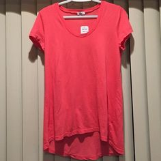 Pretty in Pink hi lo top S/s comfy top. Made in USA. 50% Pima cotton 50% supima cotton. Splendid Tops Tees - Long Sleeve