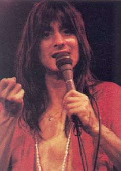 Steve Perry (1978) - Journey - THE BEST VOICE, HANDS DOWN!!!!  What Aaron's mullet looked like. Haha. Shout Out for the ollllld Man!  And I SHOULDA BEEN GONE!! Hahaha.