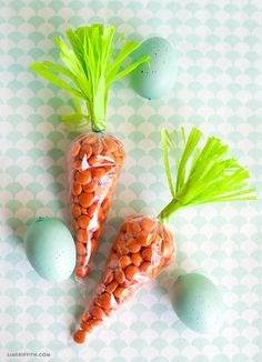 DIY Easter Carrots from Fringe Scissors from #marthastewartcrafts #12monthsofmartha