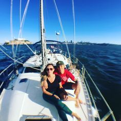 Indian summer brings out perfect sailing conditions for a sailboat charter in SF bay. #sf #sfsailing #sfsail #sfsailingscenes #sfsailboatcharter #sfsailingscenes #sfyachts #sail #sailing #yachting