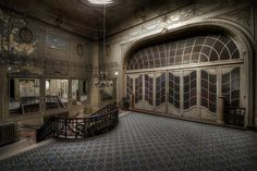 The Lost Theatre - Forgotten art-deco theatre left to decay