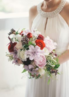 Let's talk about how gorgeous this bridal bouquet is!