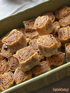 Σαραγλί Ξάνθης Greek Sweets, Greek Desserts, Greek Recipes, Fun Desserts, Dessert Recipes, Greek Baklava, Food Network Recipes, Cooking Recipes, Greek Pastries