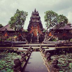Pura Taman Kemuda Saraswati - Ubud, Bali  https://epujaservices.wordpress.com/