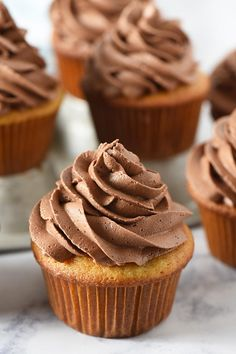 Easy recipe for the best chocolate buttercream frosting, perfect for decorating or piping onto cake and cupcakes. It's fluffy, creamy, and silky smooth! #adventuresofmel #chocolate #buttercream #frosting #cupcakes #cakedecorating