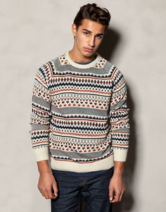 The most relaxed look Autumn 2017 knitwear for men at PULL&BEAR. Oversized, round neck or striped jumpers and ripped or longline cardigans. Jersey Jacquard, Longline Cardigan, Pull N Bear, Mens Fashion, Fashion Outfits, Cool Hairstyles, Men Sweater, Pullover, Style Inspiration