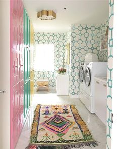 Laundry room dreams at 💗 Adore the vintage rug from This epic space was created by for You have until tomorrow to check the magnificence out yourself. Home Decor Trends, Home Decor Inspiration, Interior Exterior, Interior Design, Pretty Room, Laundry Room Design, Cozy House, Decoration, Home Remodeling