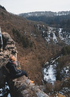 5 Ziele für Tagesausflüge in die Eifel | HELLO WANDER Die Eifel, Grand Canyon, Camper, Tumblr, Nature, Travel, Wonderful Places, Hiking Trails, Caravan