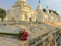 Kuthodaw Pagoda complex, Mandalay.