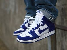 Nike Want these! They look sorta Duke themed to me for whatever reason Nike Sb Dunks, Nike Heels, Sneakers Nike, Melissa Shoes, All About Shoes, Nike Flyknit, Nike Outfits, Shoe Collection, Swagg
