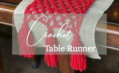 Crochet Table Runner - This project is quick and easy for beginners to crochet! Crochet|Yarn|Christmas #crochet #yarn