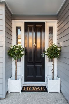 70 Best Modern Farmhouse Front Door Entrance Design Ideas 59 – Home Design Door Design, House Entrance, House Front, House Exterior, Black Front Doors, Hamptons House, Exterior Design, New Homes, Front Door