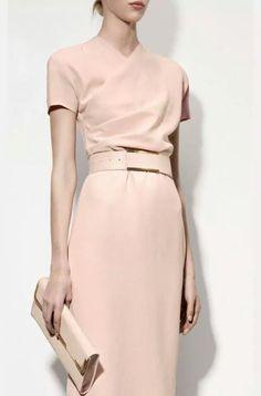 Bottega Veneta beautiful colour and style, elegant. Estilo Fashion, Look Fashion, Ideias Fashion, Womens Fashion, Fashion Design, Dress Fashion, Trendy Fashion, Fashion Spring, Net Fashion