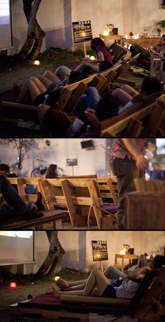 The Pallet Cinema: A garden movie night using pallet furniture New Cinema, Cinema Film, Outdoor Spaces, Outdoor Living, Cinema Architecture, Pallet Chairs, Pallet Furniture, Outdoor Cinema, Garden Chairs
