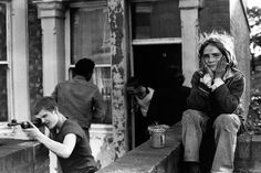 The official website of Tish Murtha. Tish was a British social documentary photographer best known for documenting marginalised communities, social realism and working class life in Newcastle upon Tyne and the North East of England. Social Photography, Street Photography, White Photography, Photography Topics, Photography Degree, Classic Photography, Minimalist Photography, Urban Photography, Color Photography