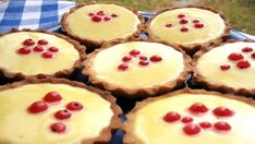 Tartaletky s lemon curd Mini Tart, Lemon Curd, No Bake Desserts, Cheesecake, Deserts, Food And Drink, Cooking Recipes, Pudding, Sweets