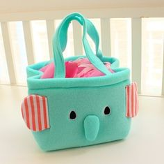 Socishop | Mint green elephant lunch box bag