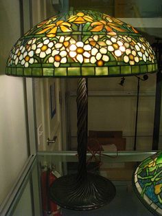 Tiffany Daffodil and narcissus lamp 1910-1913