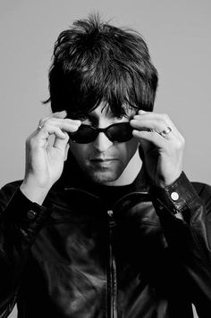 Gem Archer - Oasis - Two Guys from Texas Gem Archer, Andy Bell, All The Young Dudes, Primal Scream, Sigur Ros, Beady Eye, Top Trumps, Noel Gallagher, Musica