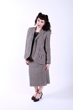 1950s Vintage Skirt Suit Black Grey Red Wool Tweed 50s Vintage Skirt Suit with Trapeze Swing Jacket Size Small