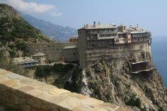 Simonopetra Monastery, Athos, Greece. Photo: Wikimedia Commons