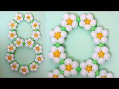 Цифра из шаров на 8 Марта / Figure eight of flowers of balloons, twisting - YouTube