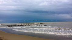 la spiaggia a novembre, november on the beach