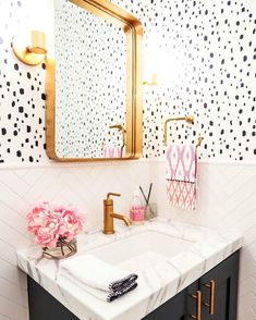 """Caitlin Wilson on Instagram: """"This high contrast bathroom featuring our Navy Spotted Wallpaper is just too good not to share! And that herringbone backsplash... Yes please! Design by @thedecordetective @hop_studio #shareyourcwt #caitlinwilsonwallpaper"""""""