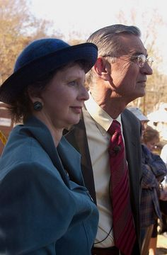 Millard and Linda working - photopartner Photo Look, Panama Hat, Your Photos, Couple Photos, Couples, Gallery, Couple Shots, Panama, Roof Rack