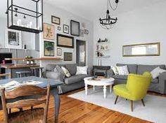 Tu podoba mi się to, że trochę sofa, stół, fotel, stolik kawowy są jakby z innej beczki ale jednak pasują