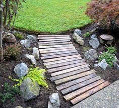 dsc DIY: Garden pallets walkway in pallet garden with Pallets Garden DIY Pallet Ideas