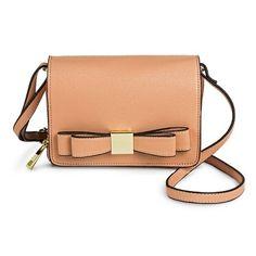 Cute bow purse | theglitterguide.com